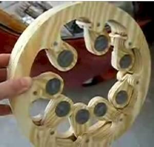 Scott_F_Hall_gravity_wheel_a_300.jpg