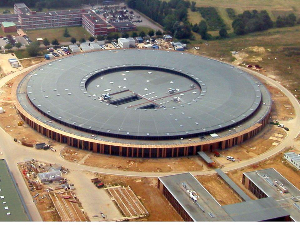 Synchrotron02.jpg